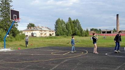 Баскетбольная площадка в Обозерском обустроена силами активистов ТОС и жителей посёлка