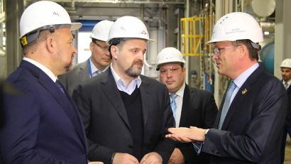 Врио губернатора Игорь Орлов, генеральный директор ЦБК Дмитрий Зылёв и министр Сергей Донской