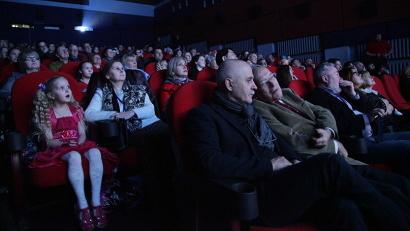 Полный зрительный зал смотрел киноленту «Не для речки» в абсолютной тишине