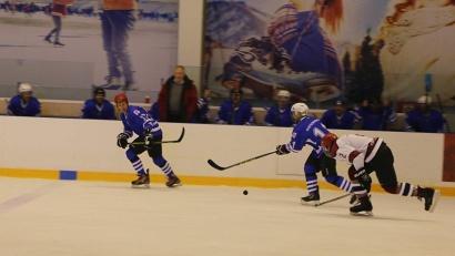 Матч-открытие проходил в дивизионе «Любитель 40+» между опытной командой из Северодвинска «Беломорец» и командой «Баренц» из Архангельска