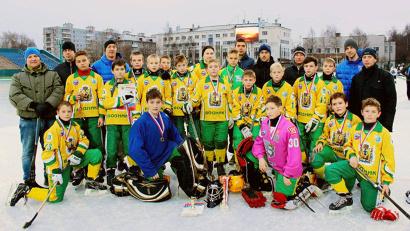 Команда «Водник-2002» - победитель Кубка губернатора по хоккею с мячом 2015 года
