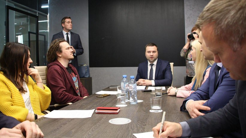 Круглый стол с предпринимателями региона прошел при участии министра экономического развития Архангельской области Ивана Кулявцева