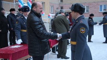 Ключи бойцам «Ратника» вручил губернатор Игорь Орлов