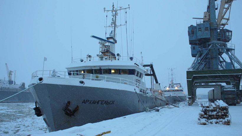 Всего в уходящем году Маймаксанский рыбный порт принял четыре десятка траулеров