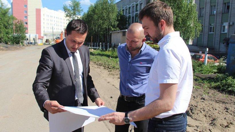 Владимир Полежаев обсудил с подрядчиками ход реализации проекта