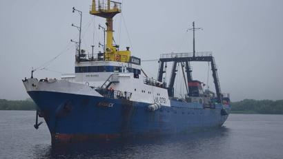 Судно «Ачинск» сегодня доставило в Архангельск 460 тонн рыбы