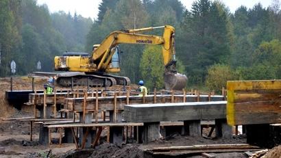 Ремонт моста в Котласском районе. Фото дорожного агентства «Архангельскавтодор»