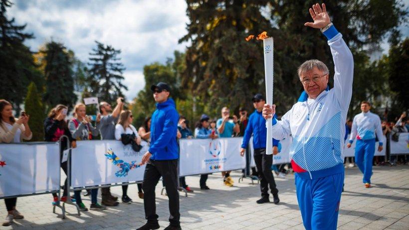 Эстафету огня принял Казахстан