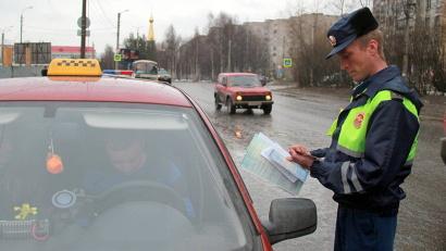 В 2015 году специалисты агентства по транспорту и сотрудники ГИБДД продолжают практику еженедельных профилактических операций «Такси»