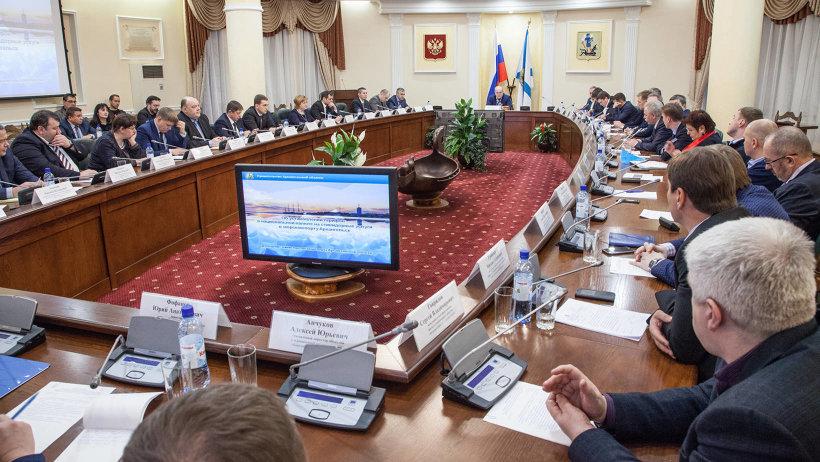 Участниками дискуссии стали рыбопромышленники, грузоотправители, руководители ведущих стивидорных и транспортных компаний Поморья
