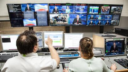 На прямую линию уже поступило более 600 звонков из городов и районов Архангельской области