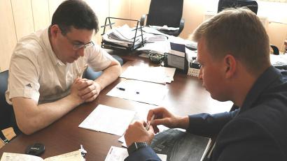 Пример такого диалога -  рабочая встреча, которую Александр Бараев провел с главой Вельского муниципального района Дмитрием Дорофеевым