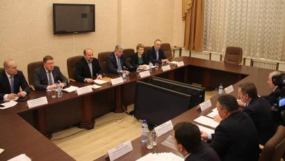 В совещании принимали участие представители правительства региона и мэрии областного центра