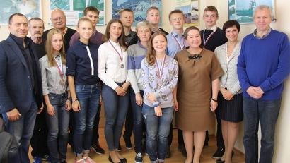 Министр спорта Елена Доценко со сборной Поморья по лёгкой атлетике