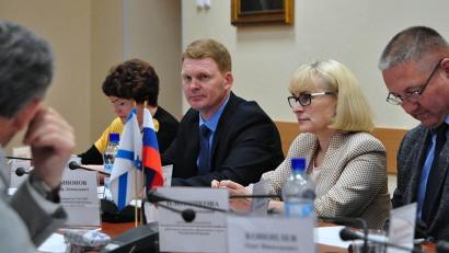 Сергей Котлов выступил на экспертно-консультативном совете по законодательству в сфере образования, созданном при областном Собрании депутатов