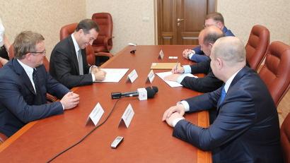 В соглашении закреплены такие направления сотрудничества, как кредитная поддержка экспорта и развитие внешнеэкономической деятельности