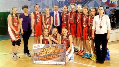 Команда «Факел» из Архангельской области выиграла два матча в отборочной группе и в полуфинале победила сильную команду Ленинградской области