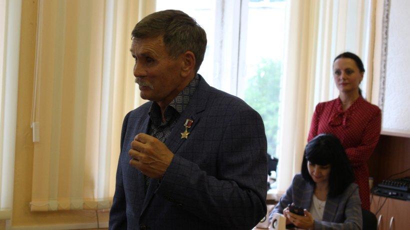 Герой нашего времени: Вячеслав Бочаров встретился с архангельскими юнармейцами