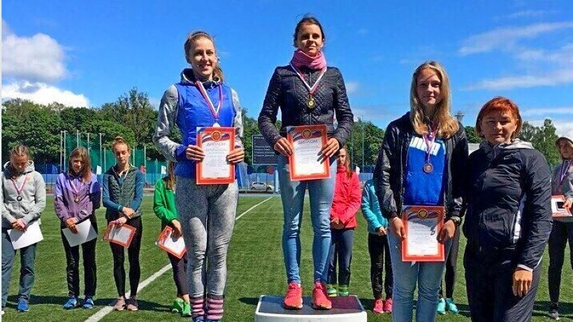 Зональные соревнования прошли в Смоленске и собрали более 250 сильнейших легкоатлетов страны