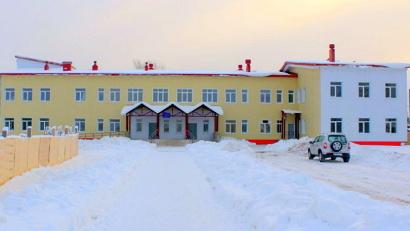 В первом блоке школы уже идут занятия. Фото газеты «Заря»