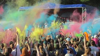 Кульминация праздника – фейрверк из красок