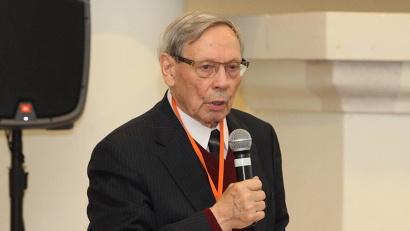 Николай Лавёров