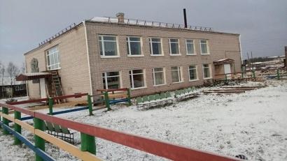 Дом культуры в селе Дорогорское Мезенского района теперь с новой кровлей, окнами и дверями