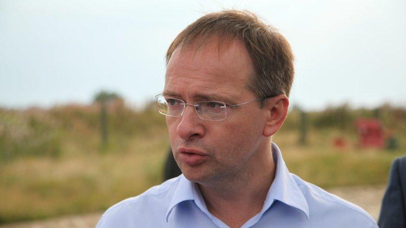 Владимир Мединский напомнил, что проект музея прошёл все необходимые согласования, но после претензий ЮНЕСКО было принято компромиссное решение