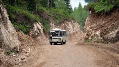 После проведённых дорожных работ ширина трассы увеличилась на расстояние от трёх до шести метров
