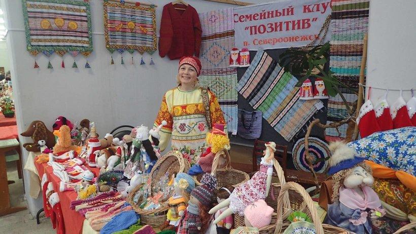 Мастера и ученики творческой мастерской предоставили свои изделия на ежегодной выставке-ярмарке
