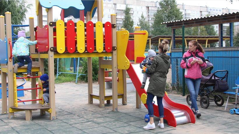 Один из благоустроенных дворов по проекту «Формирование комфортной городской среды» в Архангельске