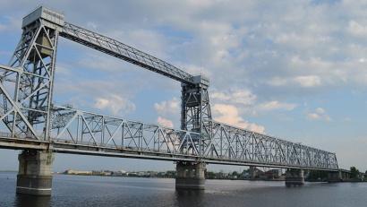 Обследование моста, проведённое в прошлом году, выявило серьёзные проблемы, которые касаются, прежде всего, механизма конструкции подъёмного пролёта