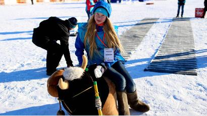 Первыми «родео на северной корове» испытали на себе волонтёры. Пострадавших нет
