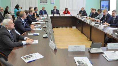 Череда рабочих встреч началась с визита в САФУ