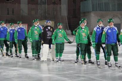Одиннадцать хоккеистов «Водника», занявшие шестое место в чемпионате страны по хоккею с мячом сезона 2013/2014 годов, стали мастерами спорта России