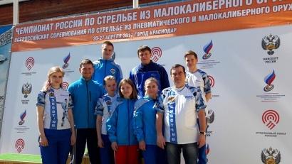 Стрелковая сборная Поморья со своим тренером Александром Поздеевым