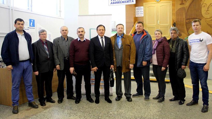 Более двадцати землячеств и автономий приняли участие в сборе книг