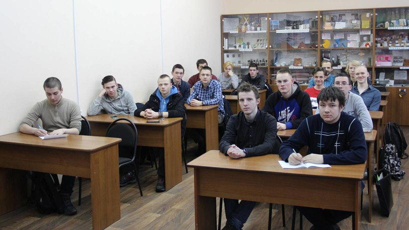 21 боец студенческих строительных отрядов Поморья получает профессию «каменщик»