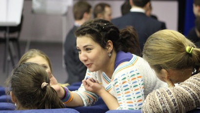 Молодёжь работает с юмором, энтузиазмом и отличным знанием региона