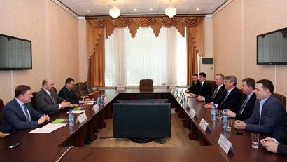 Глава региона и представители компании обсудили особенности ЛПК Архангельской области