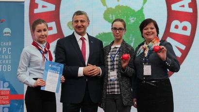 Архангельский проект «ЗдравОтряд» успешно презентовали волонтёры движения Елизавета Басова и Алёна Дербина