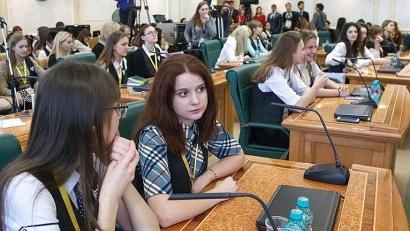 В 2016 году более 5000 одиннадцатиклассников школ России сдали ЕГЭ на 100 баллов