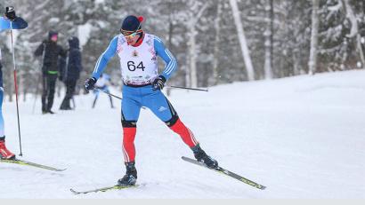 В мужской гонке свободным стилем вновь не оказалось равных мастеру спорта России из Архангельской области Алексею Шемякину