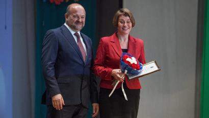 Учителям были вручены благодарности и почётные грамоты Министерства образования и науки РФ, а также губернатора Архангельской области