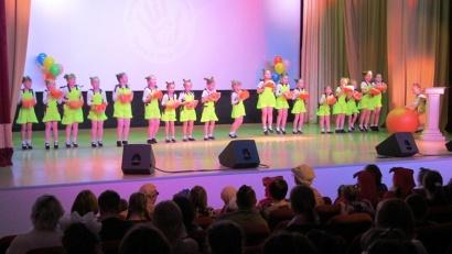 Участников фестиваля ждали приключения со сказочными героями, мастер-классы и концерт