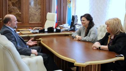 Губернатор Игорь Орлов и депутаты Госдумы РФ Елена Николаева и Елена Вторыгина обсудили актуальные вопросы жилищной политики