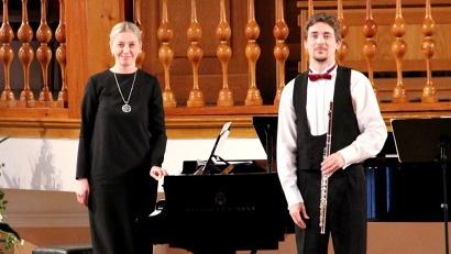Виктор Воробьев (флейта) и Ольга Голдобина (фортепиано)
