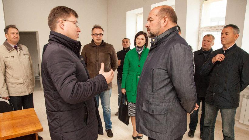 Министр строительства и архитектуры Михаил Яковлев рассказал губернатору о ходе реконструкции