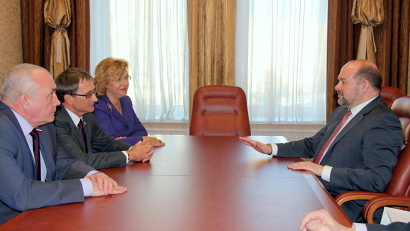Губернатор и заместитель председателя Госдумы РФ согласны в главном: уступать позиции России в Арктике нельзя