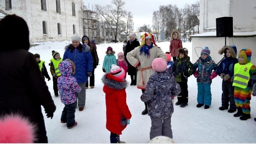 Новогодние мероприятия рассчитаны на взрослых и детей, чтобы максимально обеспечить семейный формат досуга в регионе